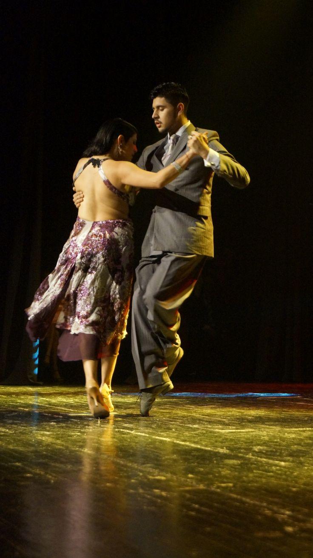 Los increíbles María Inés Bogado y Sebastián Jiménez, Campeones Mundiales de Tango Salón 2010, en Teatro Diego Rivera, Puerto Montt, Chile. 10 Enero, 2014.