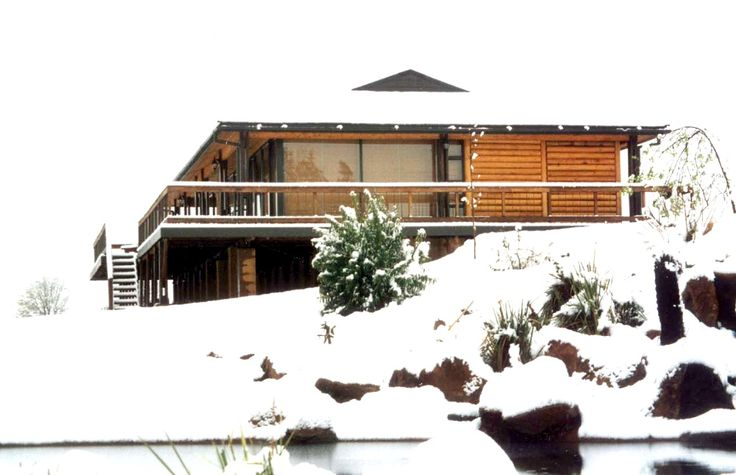 Sani Valley Lodge B&B In Sani Pass - Drakensberg See more on https://goo.gl/o7mJ8U  At the foot of the famous Sani pass, overlooking a 100 hectare lake and surrounded by 700 hectares of unspoilt grasslands lies the exclusive Sani Valley Flyfishing and Game lodge. This lodge offers a unique blend of luxury, nature, wildlife and a range of activities that will keep you coming back time again!