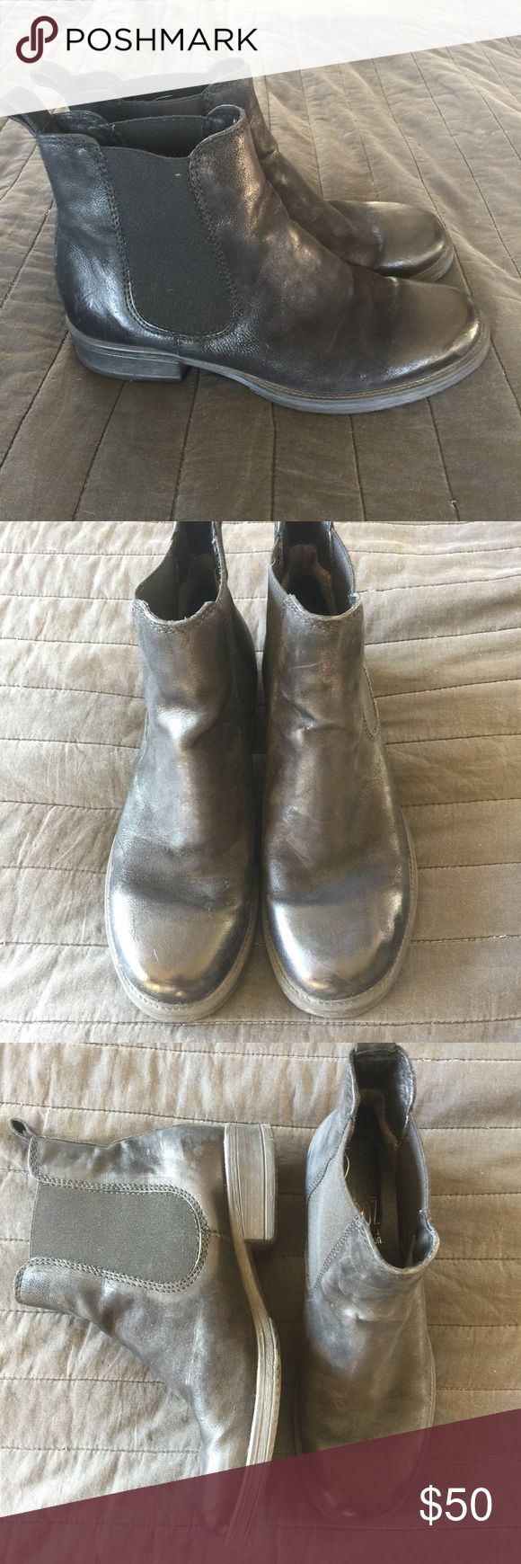 Miz Mooz black leather Chelsea boots 39 8.5 9 Great Chelsea boots by Miz Mooz! Only worn a few times, these are black leather, pull-on style in women's size 39 which is an 8.5-9. In excellent pre-owned condition with lots of life left! Miz Mooz Shoes Ankle Boots & Booties
