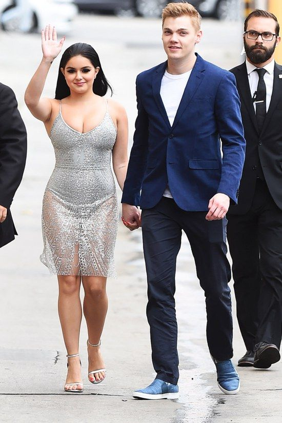 Ariel Winter Shows Progress on the Way Into The Jimmy Kimmel Live! Show