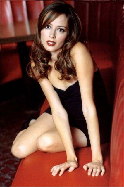 Amy Acker - Person of Interest TV series legs