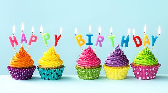 """""""Feliz aniversário"""" em inglês"""