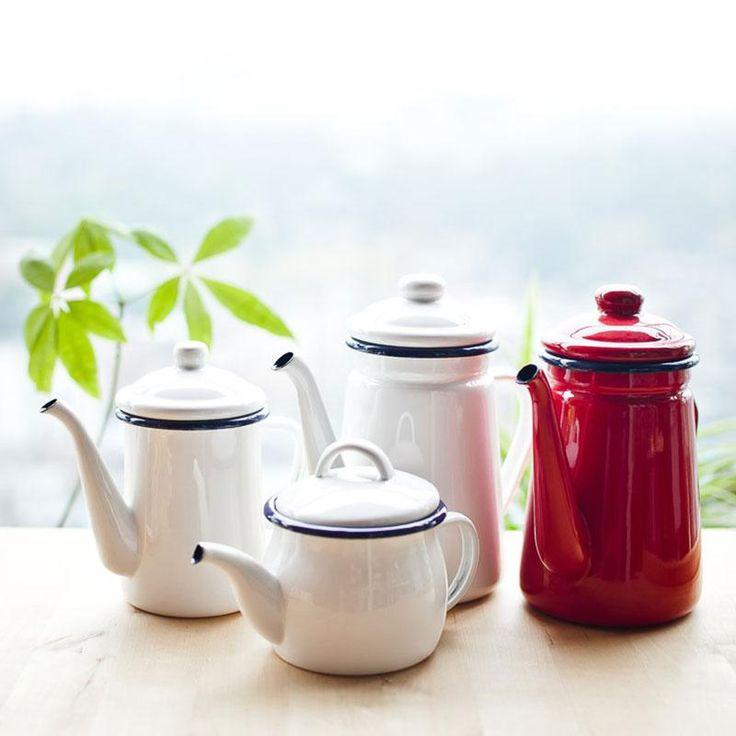 Hand Coat Enamel Coffee/Tea pot  www.simpleaccessory.com