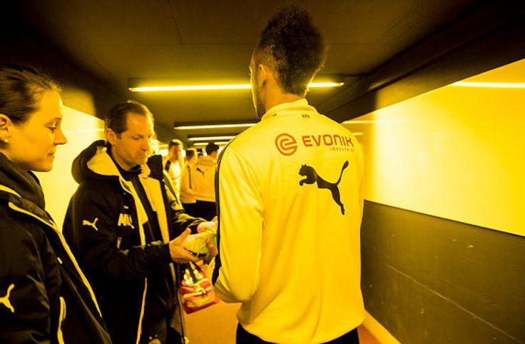 Liga Jerman: Ketika Gaya Rambut Aubameyang Diprotes Dortmund -  https://www.football5star.com/berita/liga-jerman-ketika-gaya-rambut-aubameyang-diprotes-dortmund/