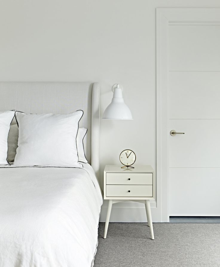 Bright And Bold Guest Bedroom: Guest Bedroom Design, White