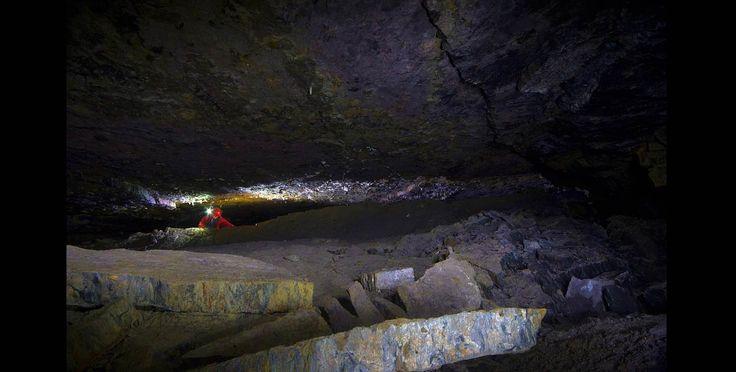 Las majestuosas cavernas de El Peñón (Santander)