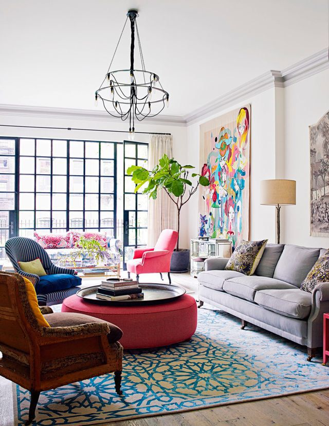 In love! Natural light, high ceilings and colourful accents! Beautiful eclectic living room.