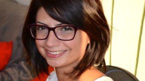 Cervello in fuga, 31enne di Sulmona, laureata a Bologna, lavora nella capitale tedesca per un'azienda di trasporti. I familiari in Germania per l'esame del Dna