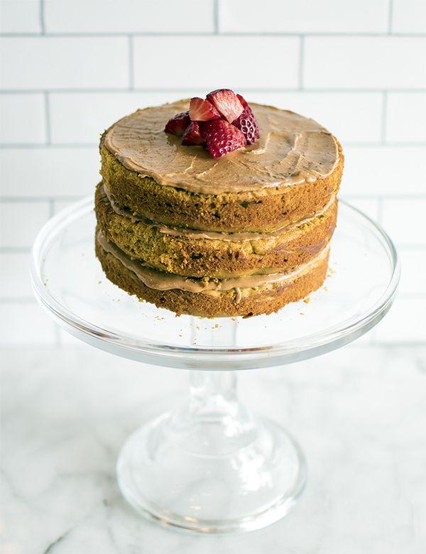 dog cake recipe, dog cake, organic dog cake, dog friendly cake, dog friendly cake recipe, pug, pug hound, bassugg