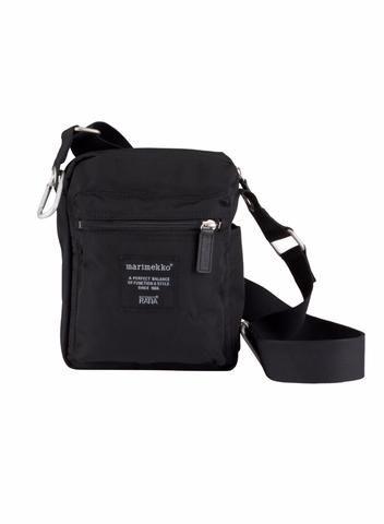 MARIMEKKO CASH AND CARRY SHOULDER BAG BLACK  #purse #travelbag #black #travel #sightseeing #finland #marimekko #classic #pirkkoseattle #pirkkofinland