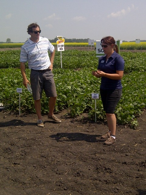 Steve Clark and Cindy Desrochers describe the Syngenta corn and soybean seed line-up for Manitoba.