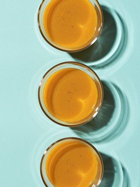Recipe:【メディカルハーブ入り・コールドプレスジュース】ターメリック入りのりんごとにんじんのジュース/エキゾチックな香りがやみつきになりそうなジュース