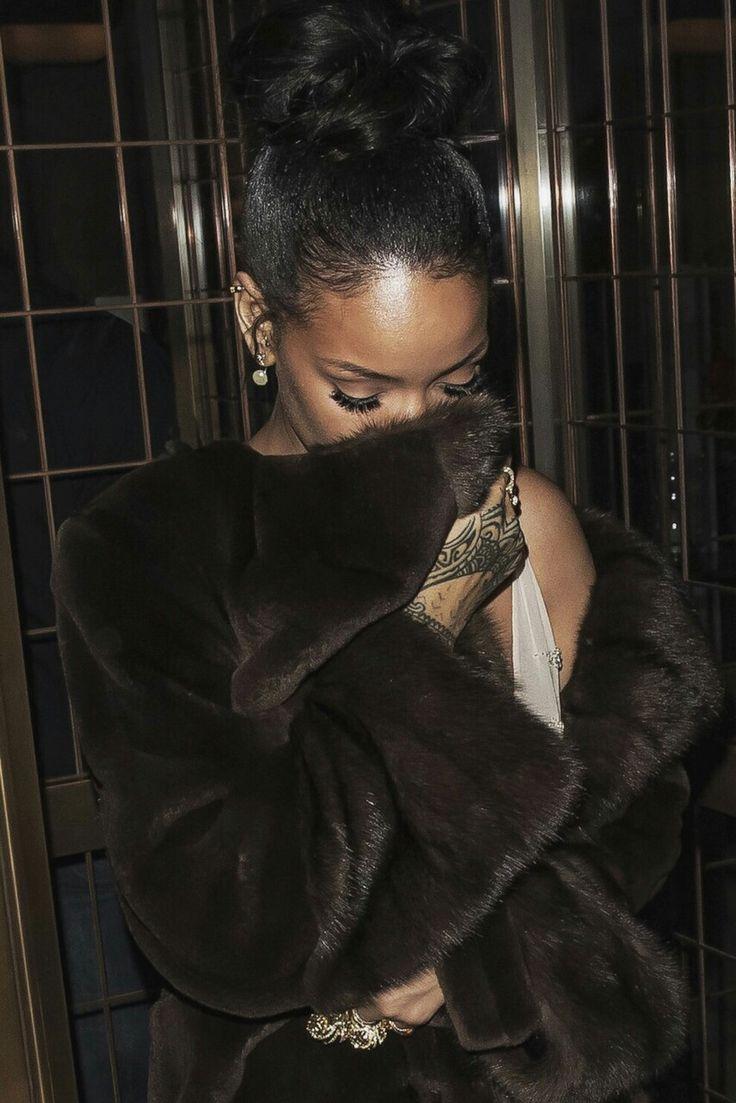 Best 20+ Rihanna Instagram Ideas On Pinterest