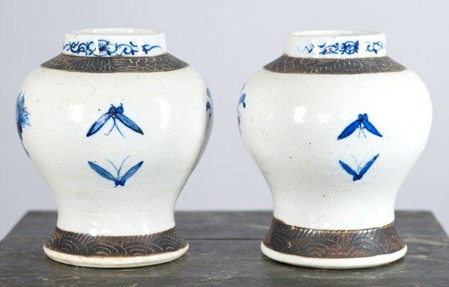Pair of 19thc Chinese blue and white vases.-fleet-gallery-DSC_4387_main_636483650388550001.jpg