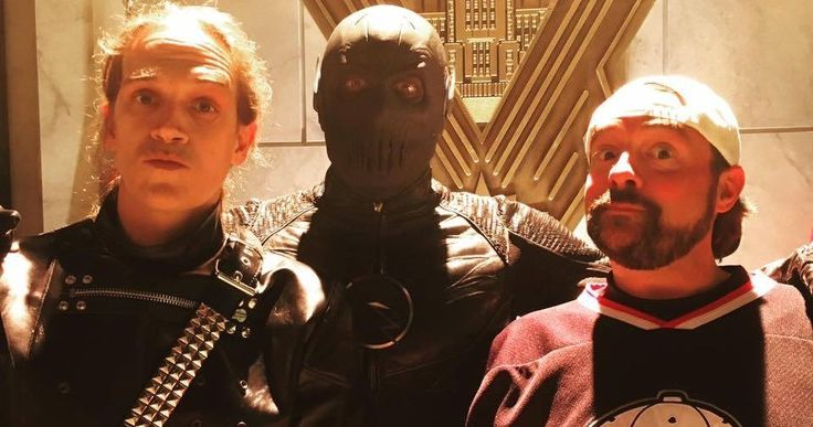 Jay & Silent Bob Meet Zoom in Latest 'The Flash' Set Photo -- Kevin Smith shares a new photo with Jason Mewes and Zoom from 'The Flash', while revealing who his longtime co-star plays in the new episode. -- http://movieweb.com/flash-season-2-set-photo-jay-silent-bob-zoom/