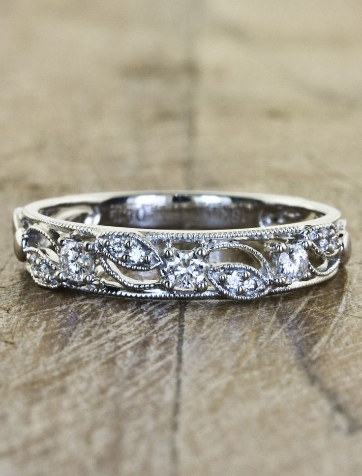 different yet simple wedding band style: Emeli