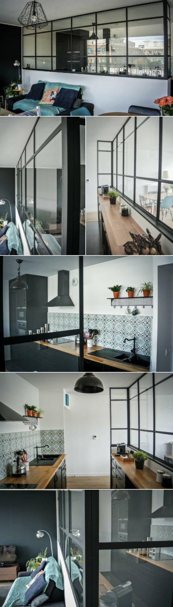 Une verrière intérieure esprit atelier d'artiste pour séparer la cuisine et le salon http://www.homelisty.com/verriere-interieure/