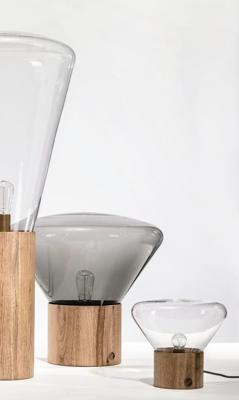 De Muffin lampencollectie van Brokis. Bezoek www.houtmerk.nl voor de collectie lampen bestaande uit tafellampen, een vloerlamp en een hanglamp.