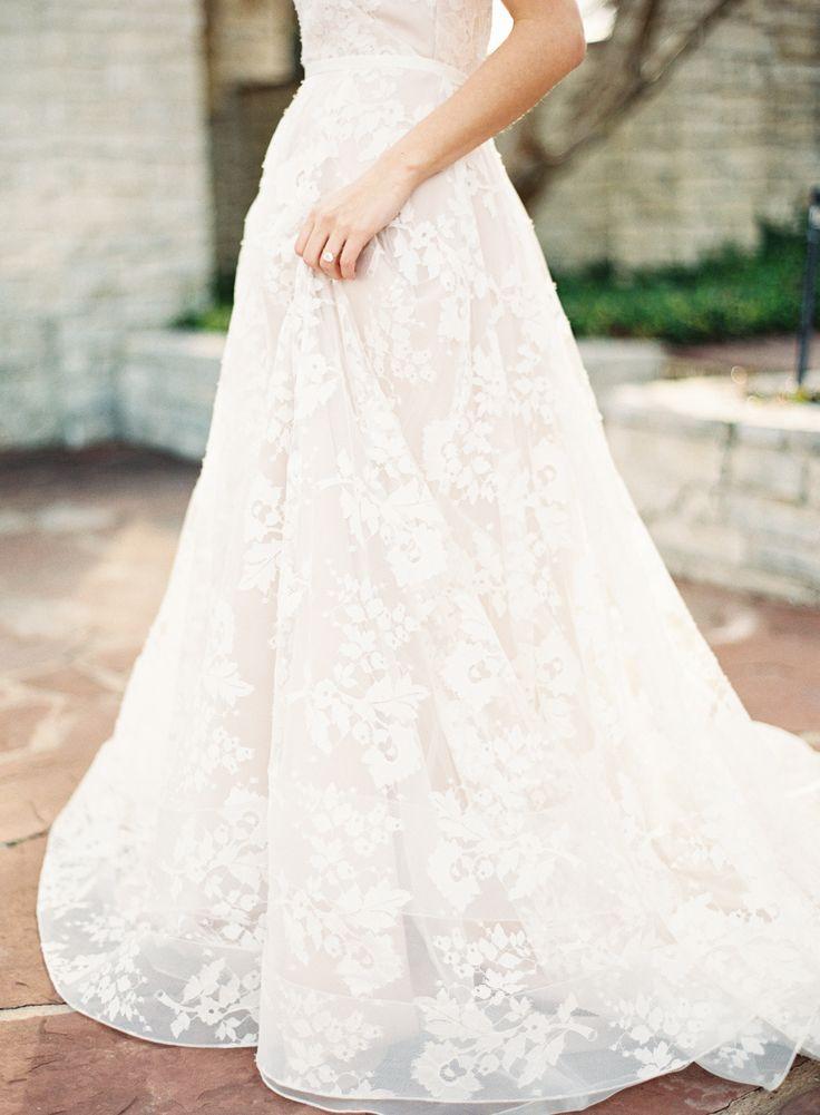 Read More: http://www.stylemepretty.com/2015/03/27/neutral-la-rio-mansion-wedding-inspiration/