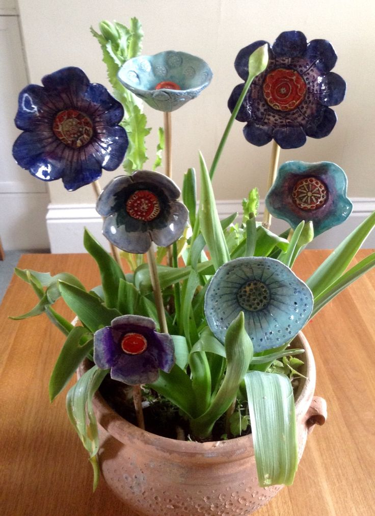 Ceramic flowers. GdJ Ceramics