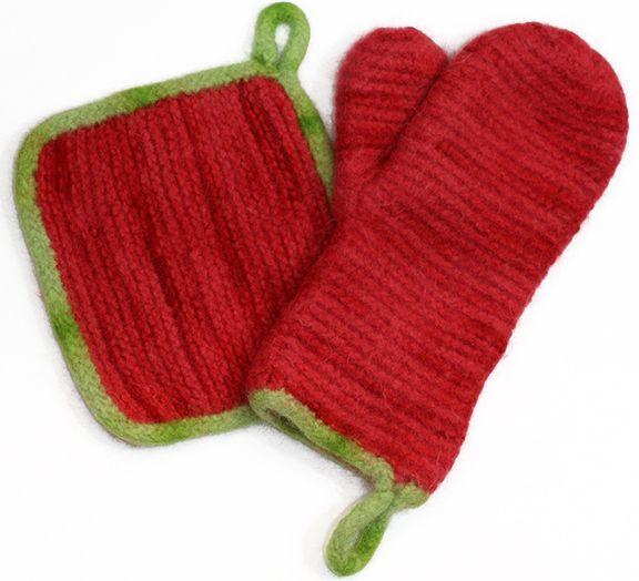 Knitting Pattern Oven Gloves : Oven Mitt & Hotpad Set - http://www.knittingboard.com/ Loom Knitting ...