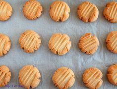 Μια εύκολη και νόστιμη συνταγή για κουλουράκια  σμυρνέικα made in Pepi's kitchen!