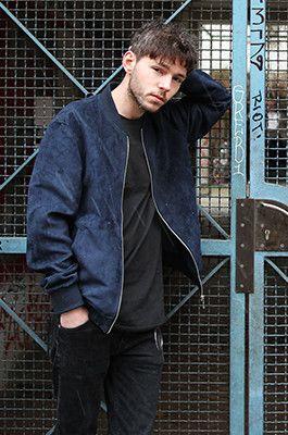 Berlin street style: blue suede bomber, black jeans, black tee