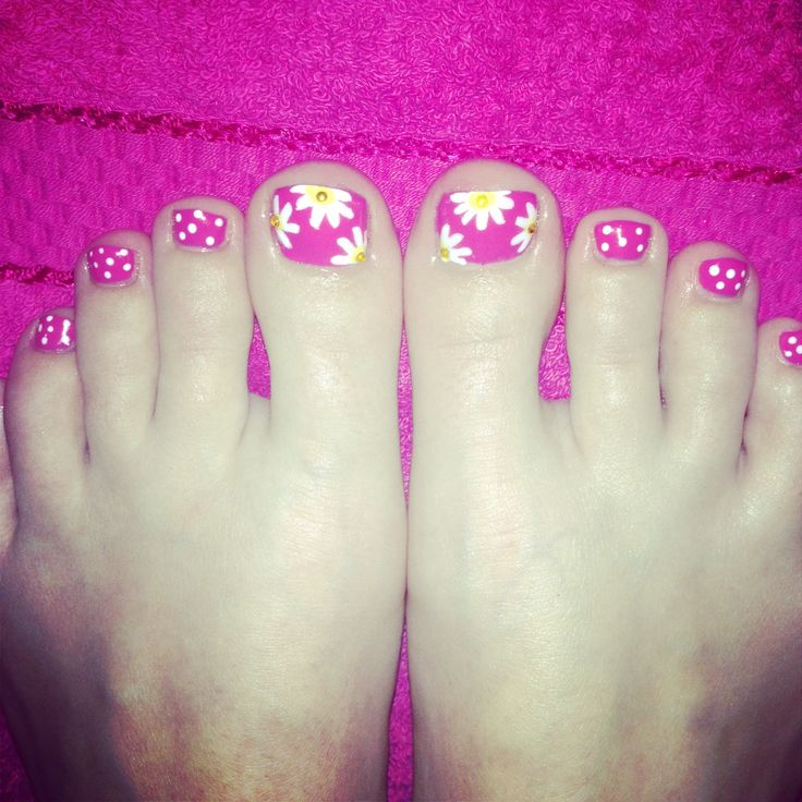 Summer shellac toe nails