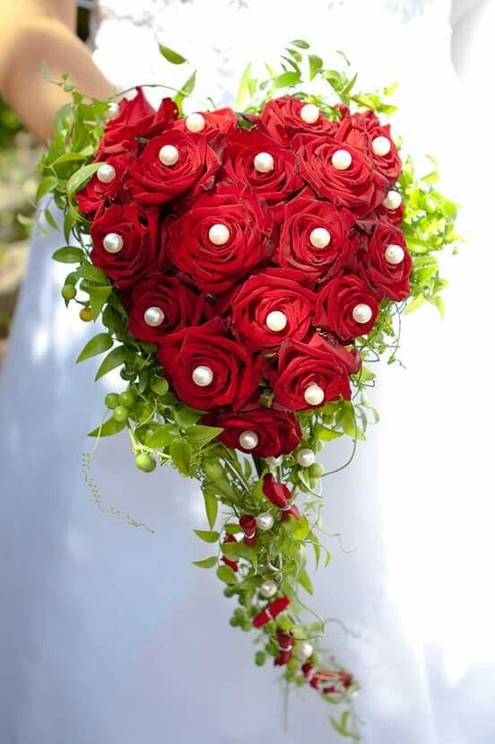 ... rote rosen, Hochzeitstorte perlen και Brautstrauß rosen