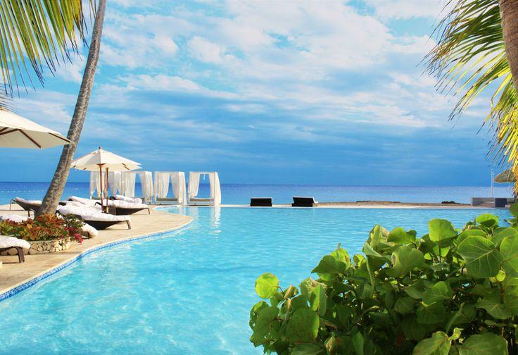 Viva Wyndham Dominicus Beach   La Romana, Republique Dominicaine  Point d'embarquement idéal pour la splendide île Saona, le Viva Wyndham Dominicus Beach est situé à Bayahibe, avec vue panoramique sur la mer ou sur les luxuriants jardins tropicaux