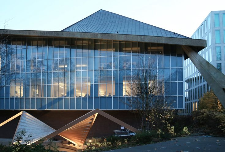 Commonwealth_Institute_Building-Design_Museum_Pavilion-Clementine_Blakemore_Architects