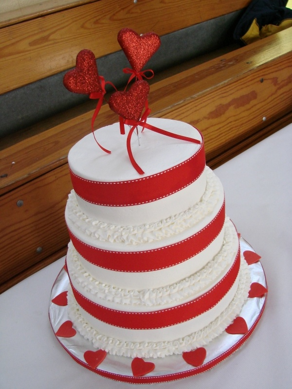 12 Best Images About Valentine S Day Wedding Cakes On