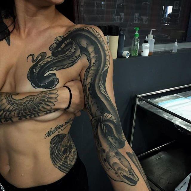 Badass moray eel tattoo by Pari Corbitt PariCorbitt morayeel blackwork monochrome