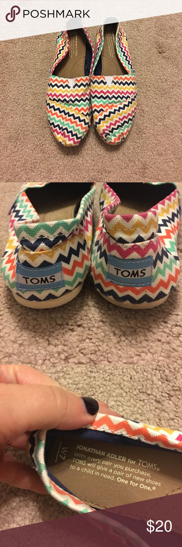 Chevron TOMS Like new TOMS. Only worn a few times. No holes in the fabric. Soles in good condition. Toms Shoes