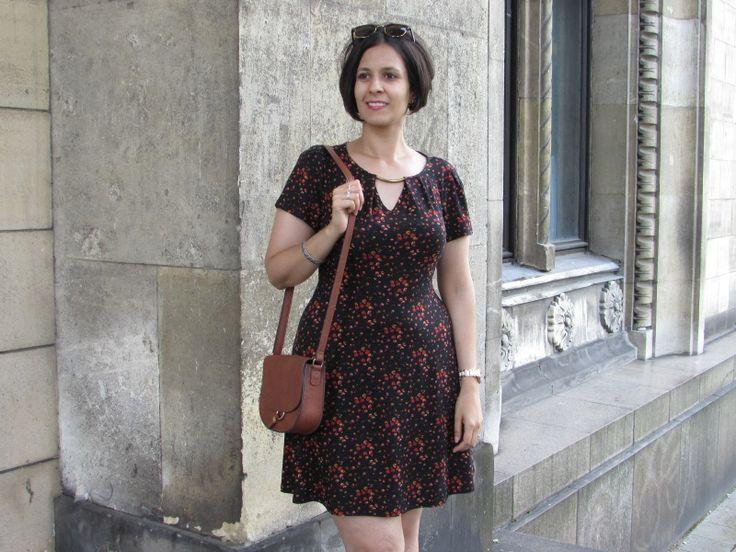 Ditsy Print Dress | #Fashion POST by Elite Member @izabelanair