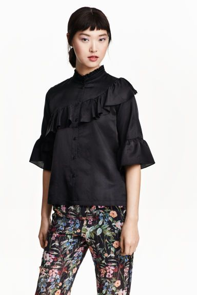 30 Frilled blouse in a silk blend | H&M
