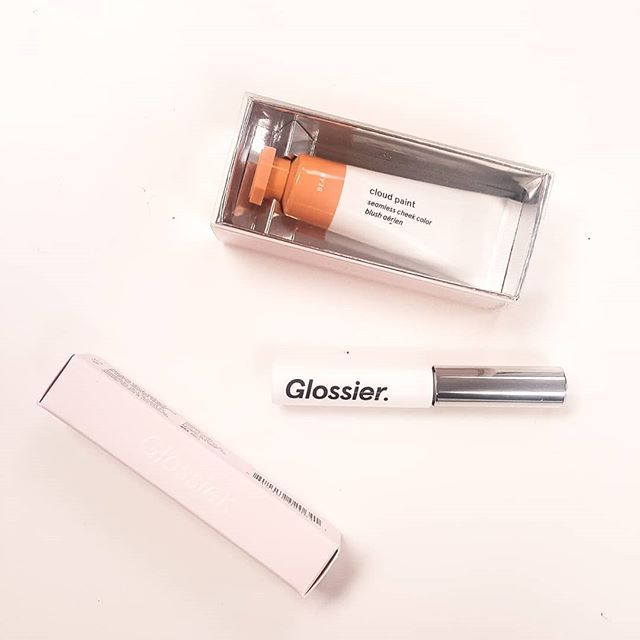 Gifts from the boss babe @ekm1803 - so excited to finally try some @glossier for myself     #glossier #glossierpink #boybrow #cloudpaint #beauty #beautyblogger #beautyblog #bbloggers #makeup #makeupkit #cosmetics #beautyenvy #beautygoals #glossiergals #pursuepretty #pinkflashesofdelight #thinkpink #millennialpink #thestylestories