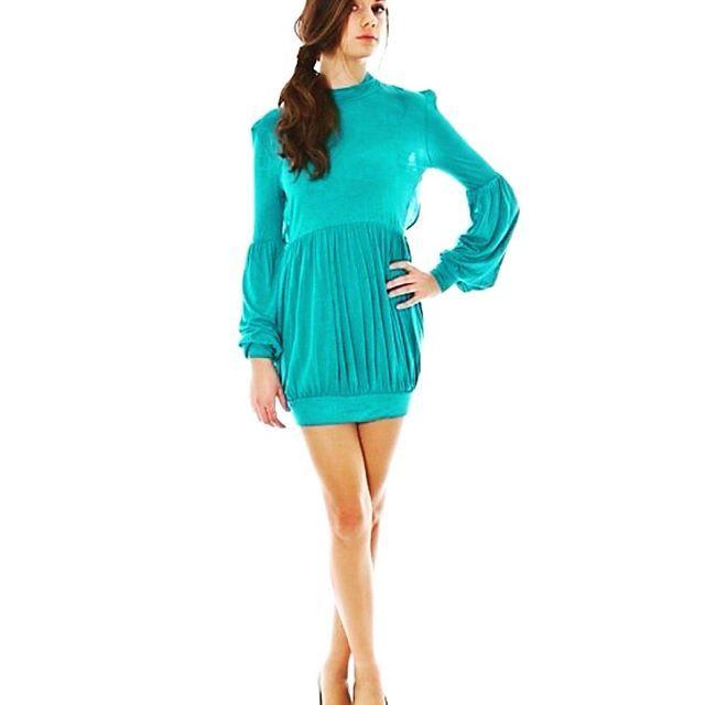 Donna vestito azzurro PHARD con manica lunga collo alto gonna a palloncino e scollo su schiena  Taglia: XS - S - L  composizione: 100% viscosa    17.00 £  Colore: azzurro    Collezione: autunno/inverno