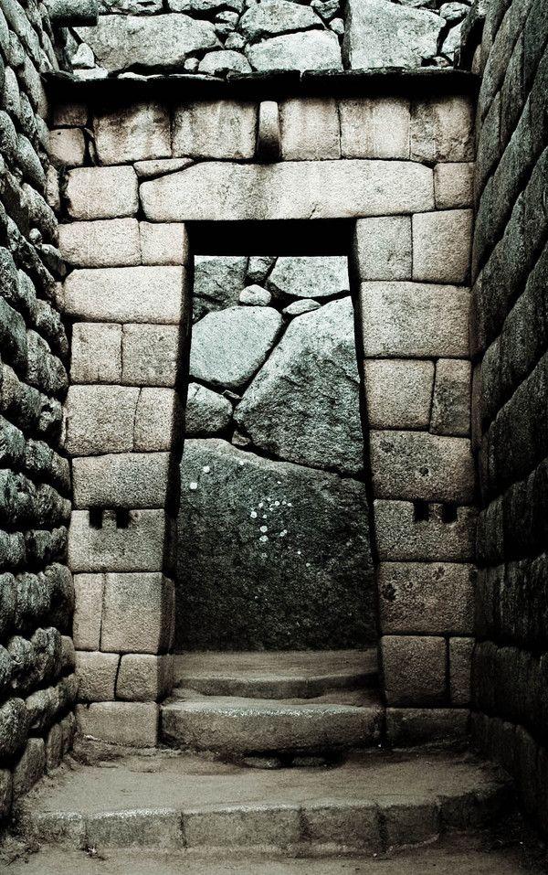 remash:    machu pichu doorway ~ basia asztabska photography