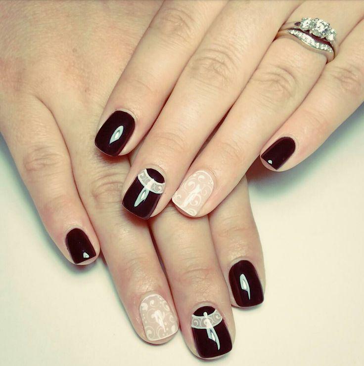 Nail art black with swirls by Fabulous10