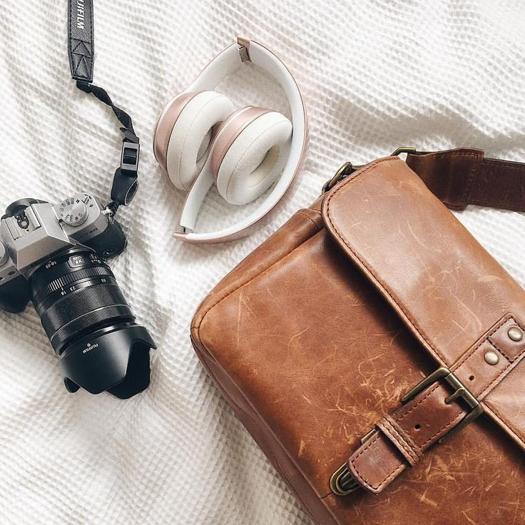 A few of @thecreativeblogco's essentials for the new year, featuring an ONA classic - the Bowery bag,