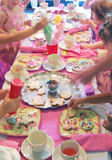 Decorate Cookies Party! I love how she put the icing into ketchup & mustard squirt containers to make it easier for the kids.it is a cute and awesome idea to let the kids design the cookies their self the way they like it