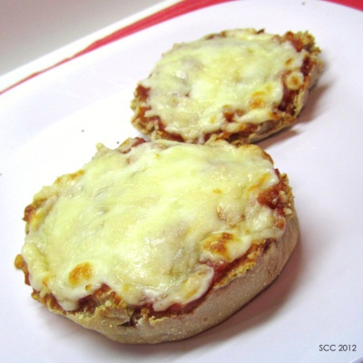 English Muffin Pizza: Less Than 200 Calories «