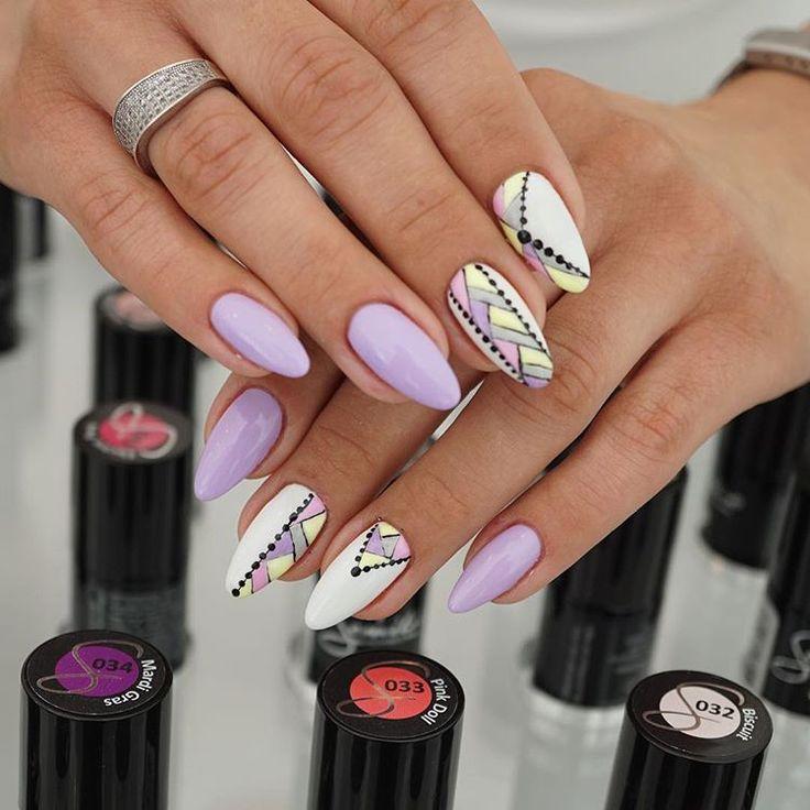 Przepiękna stylizacja z wykorzystaniem najnowszego koloru 145 Lila Story z paletki Unique  Pozostałe kolorki: 003, 023, 141 oraz Semi Hardi White  Jak Wam się podoba?  snapchat: semilac #manicure #nails #unique #lilastory #nailfie #inspiration #semilacnails #semilac #lila #colours #new #nailart #nailsofinstagram #nofilter #picoftheday #snapchat