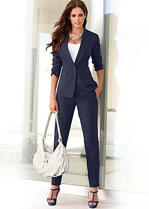 Pant suit great looking suit perfect for work priced at $59 for both pieces affordable fall 2014