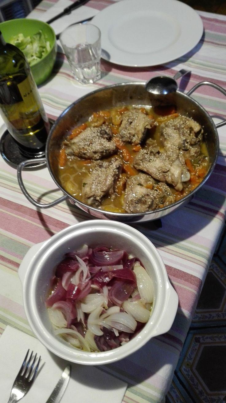 Tajine di pollo alle albicocche con cipolle stufate agrodolci @ home