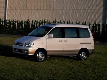 Toyota TownAce Noah '1996–2001