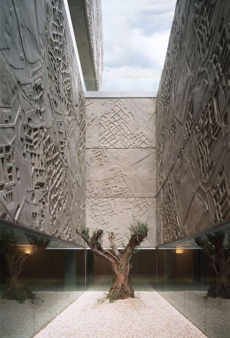 Nieto Sobejano Arquitectos, Roland Halbe - www.rolandhalbe.de, Fernando Alda - www.fernandoalda.com · Palacio de Congresos y Exposiciones de Mérida · Divisare