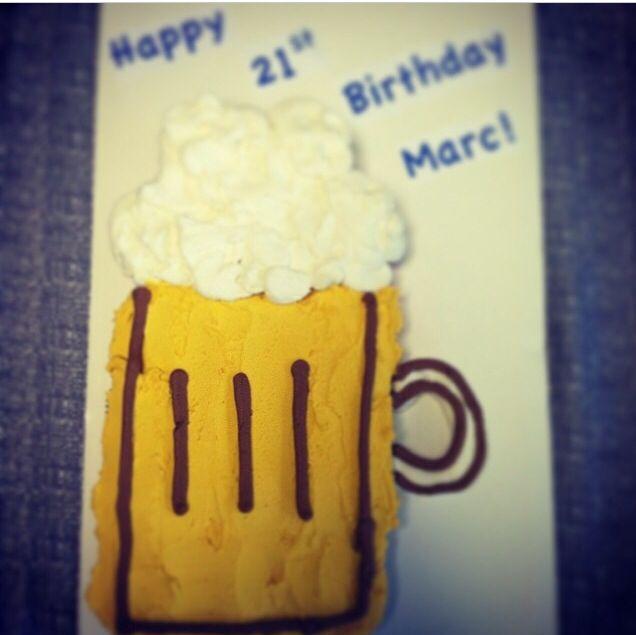 21st birthday cake. 21st birthday cupcakes. Beer cupcakes. Cupcake pull-apart cake.