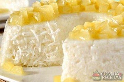 Receita de Pudim de tapioca com calda de abacaxi - Comida e Receitas
